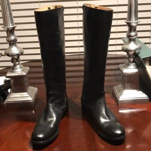 Black super cute black leather boots by Frye.